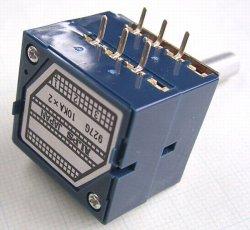 画像3: アルプス製 2連ボリューム(ボリウム) RK27 10kΩA
